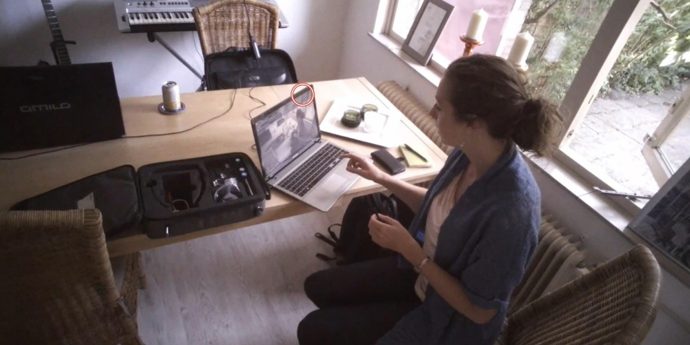 A person running a study using Tobii pro Glasses 2.