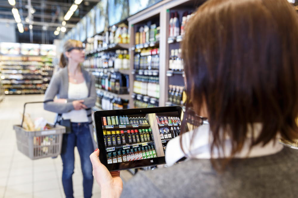 Shopper Research with Tobii Pro Glasses 2 Eye Tracker and Live View Function