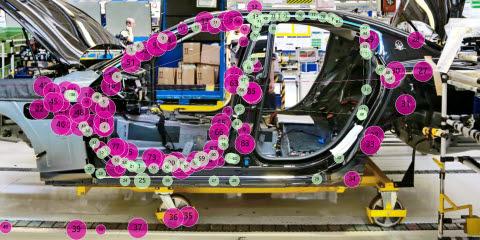 TobiiPro-expert-vs-novice-gazeplot-car-manufacturing-2_1.
