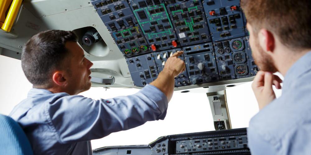 Pilot training another pilot