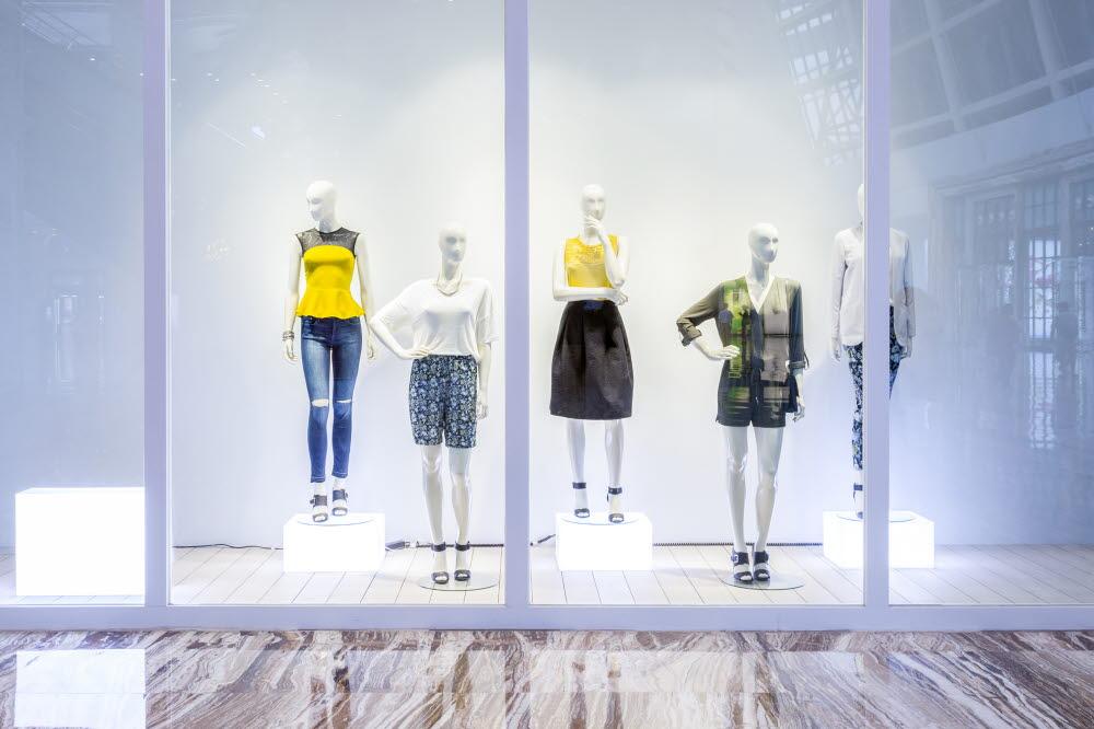 Window display retail shop design