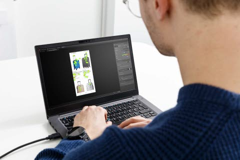 Man online shopping with eye tracking